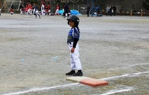 デッドボールで出塁の二年生